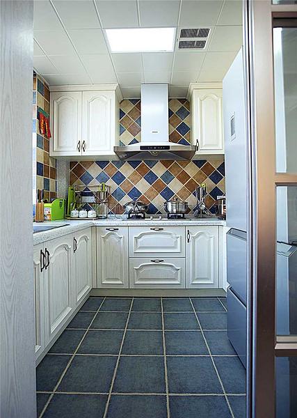8平米美式风格U型厨房装潢效果图