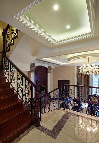 欧式铁艺别墅楼梯装潢设计效果图