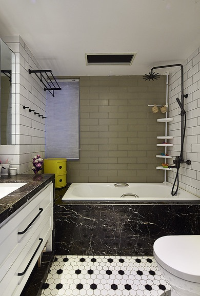 黑白灰北欧风格卫生间卫浴挂件装饰效果图