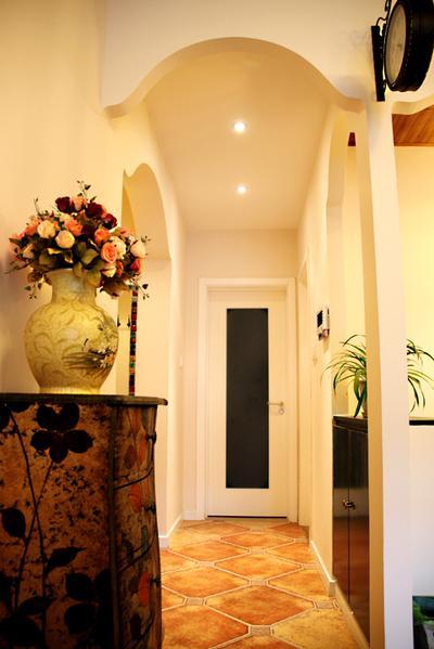 古朴地中海风格室内玄关过道吊顶设计图片