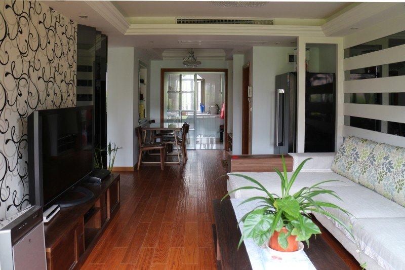 简洁实用现代风格两室一厅设计案例图片