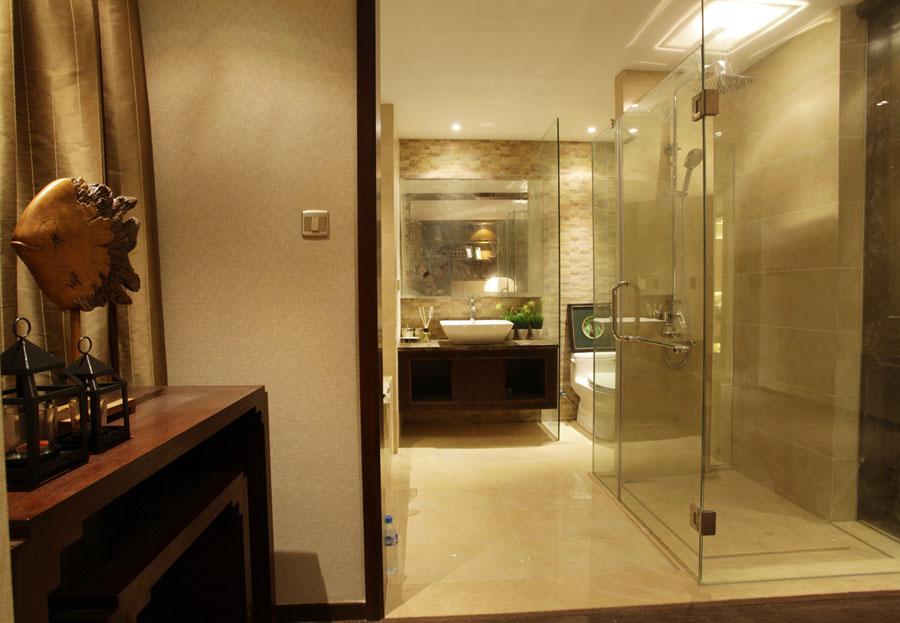 现代风格卫生间玻璃隔断设计装修效果图片