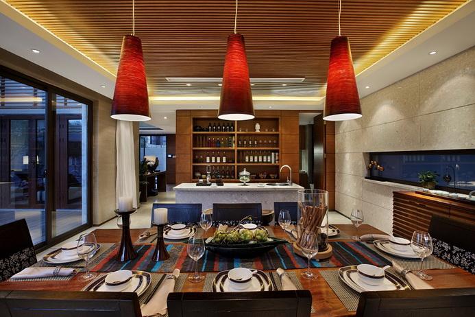 前卫时尚现代风格别墅餐厅筒灯装饰图片