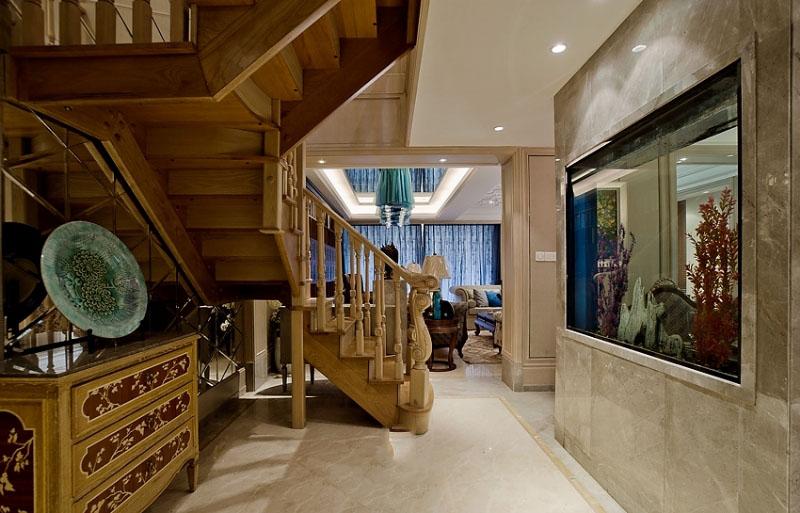 美式新古典风格实木楼梯效果图