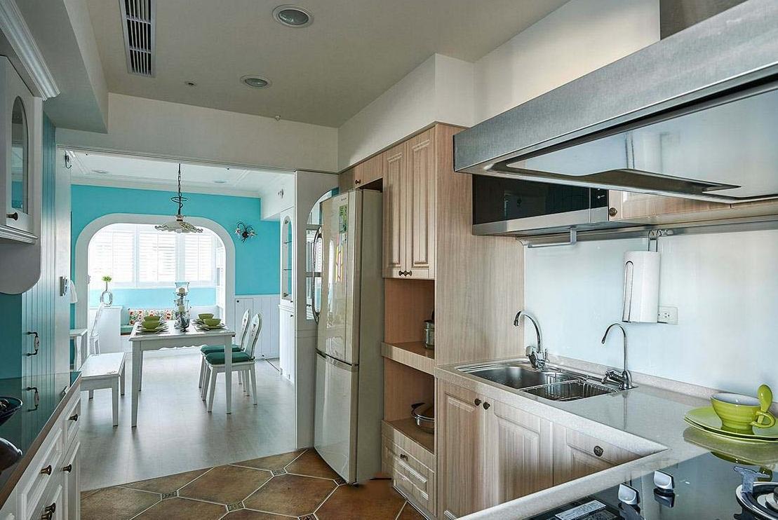 现代简约混搭风厨房装修效果图