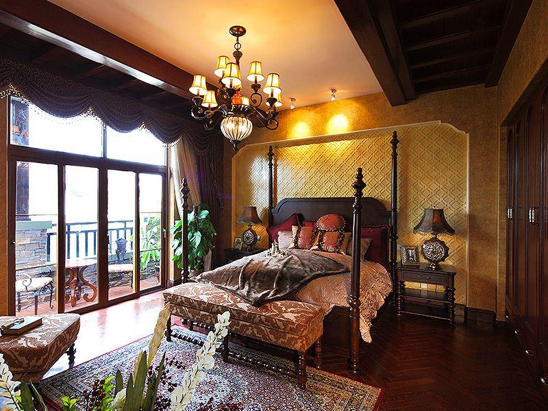 高贵大气复古欧式风格别墅卧室四柱床装饰图片