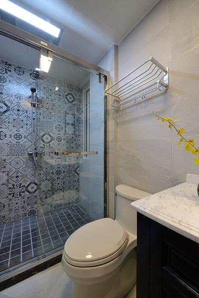 低调现代波普风洗手间效果图