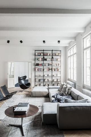 55平米黑白简尚北欧风格公寓装饰图