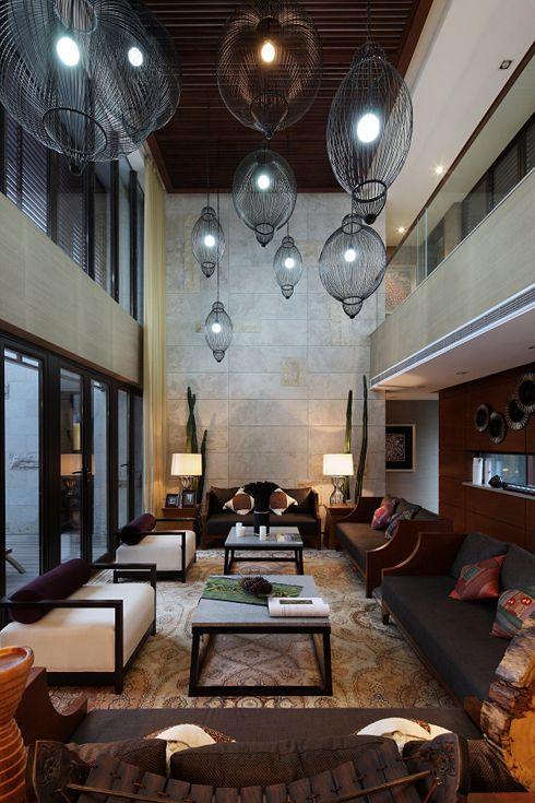 大气雅致中式复古风挑高客厅吊顶效果图