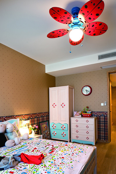 混搭风格儿童房装潢设计效果图