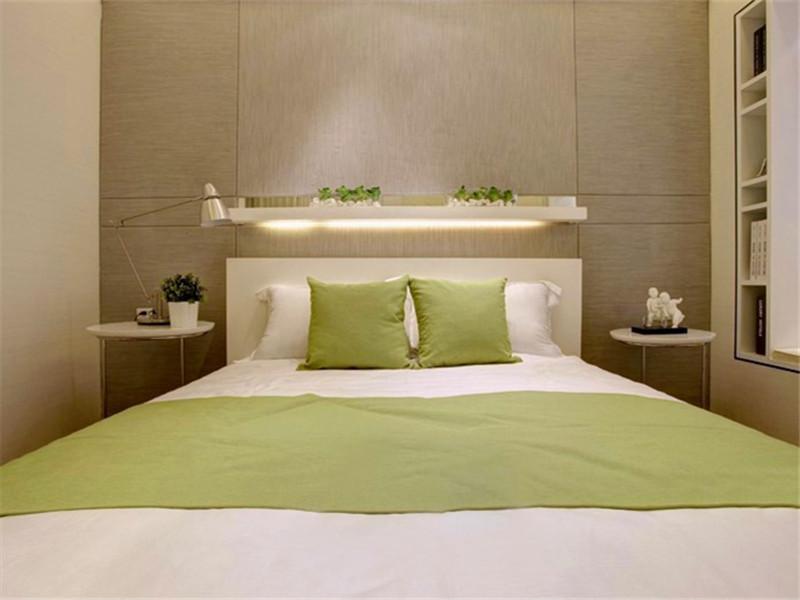 60平清绿简约卧室搭配布置图