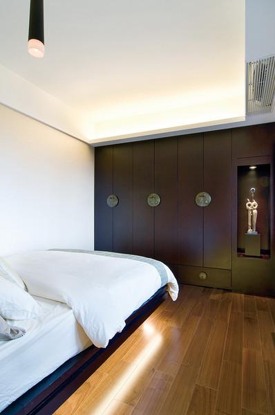 时尚含蓄典雅新中式卧室衣柜装饰效果图