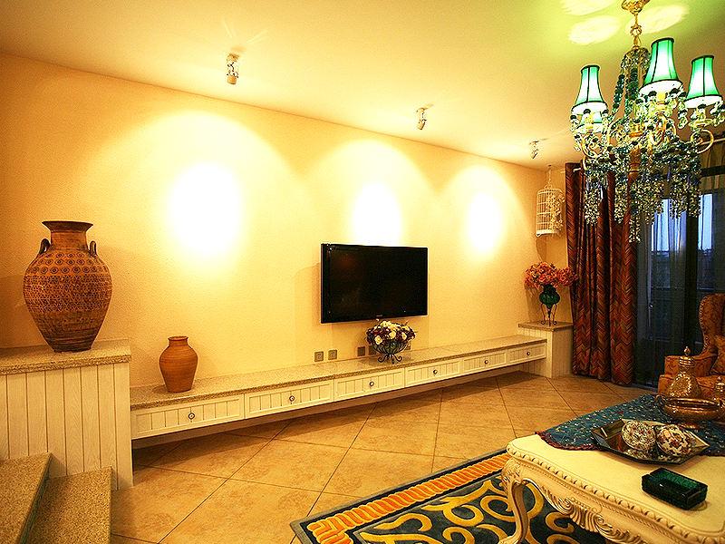 色彩丰富地中海风格客厅电视背景墙效果图
