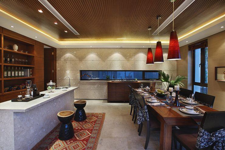 简约中式复古风餐厅木质酒柜效果图