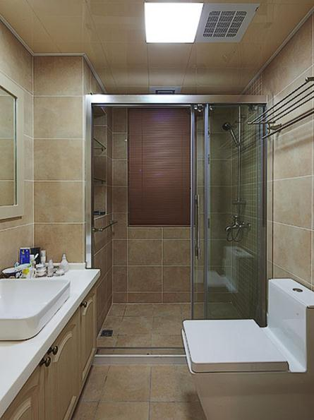现代简约洗手间玻璃隔断效果图