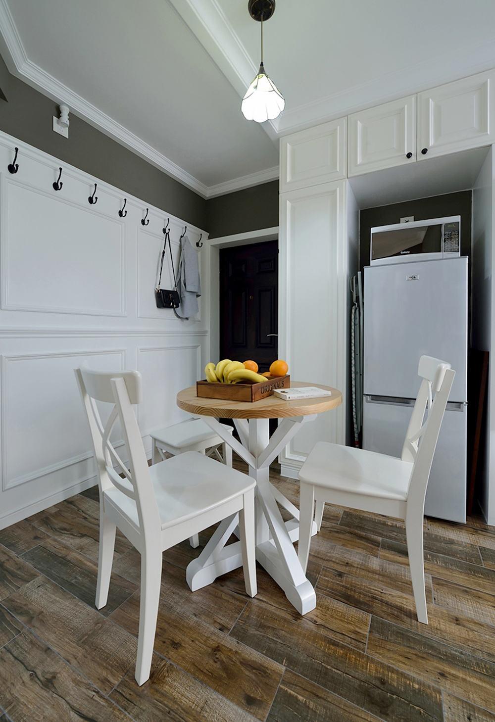 美式设计家居餐厅实木地板装潢效果图