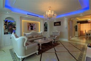 简欧风格三居室客厅吊顶设计案例图