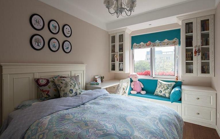 欧式田园风卧室相片墙效果图