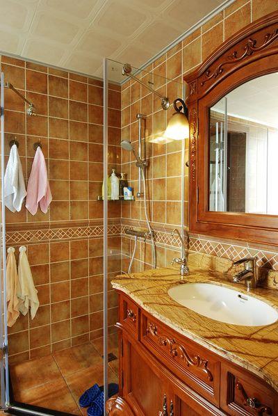 复古美式风格干湿分离卫生间设计装潢效果图