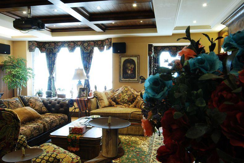 复古美式风格复式客厅木质吊顶效果图片