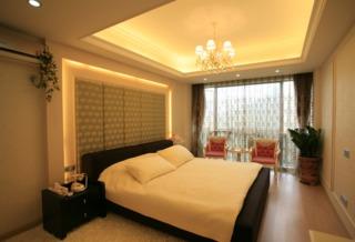和谐简欧风格设计卧室家居落地窗效果图