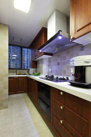 美式简约复古风格厨房原木橱柜效果图