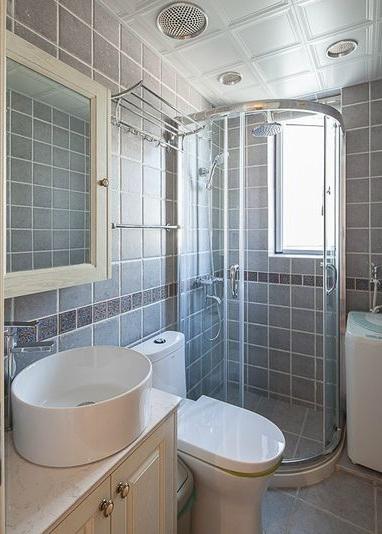 美式简约风洗手间干湿分区效果图