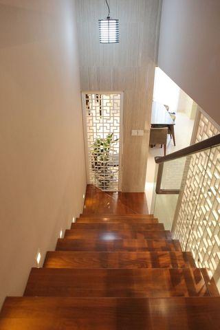 现代新中式复式楼实木楼梯效果图
