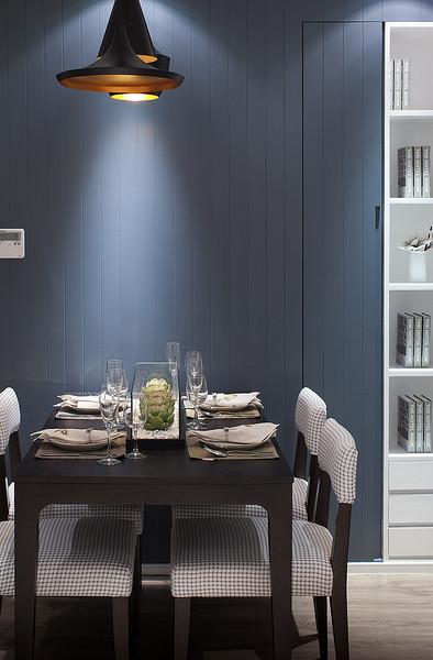 现代时尚暗蓝色餐厅背景墙设计效果图
