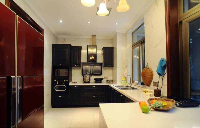 现代欧式风厨房黑色橱柜效果图
