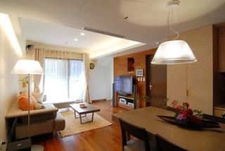 明亮洁净现代风格实木三居客厅电视背景墙效效果图