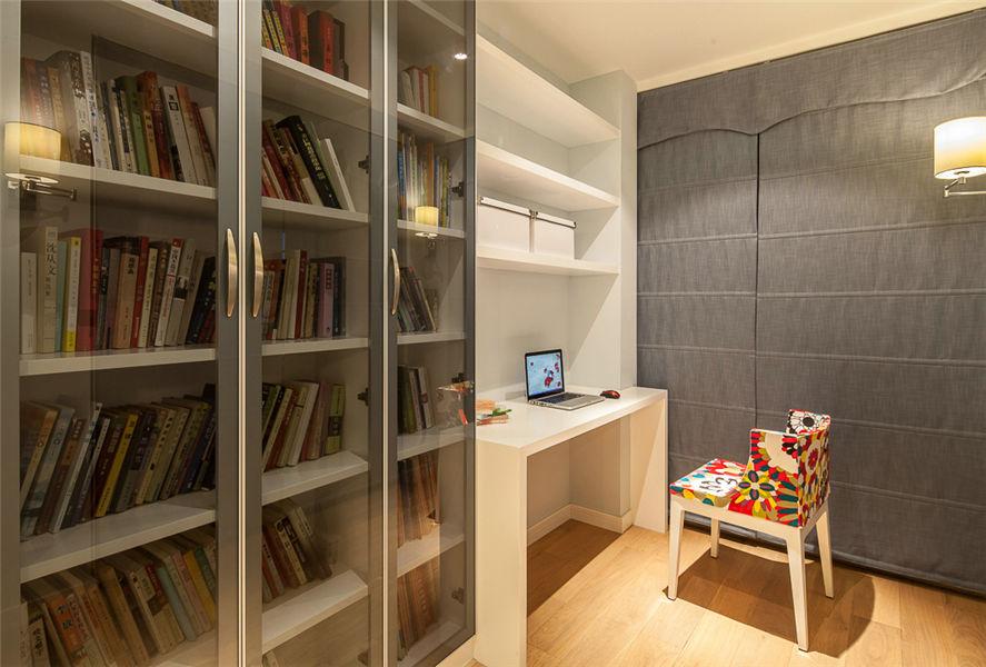 简约现代书房纯白书桌效果图