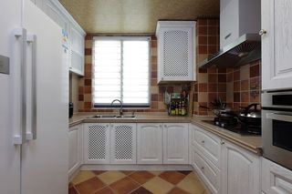 地中海风格复式家居厨房白色橱柜效果图