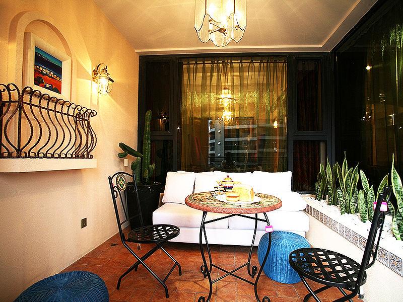 色彩丰富地中海异域风悠闲阳台设计装潢效果图