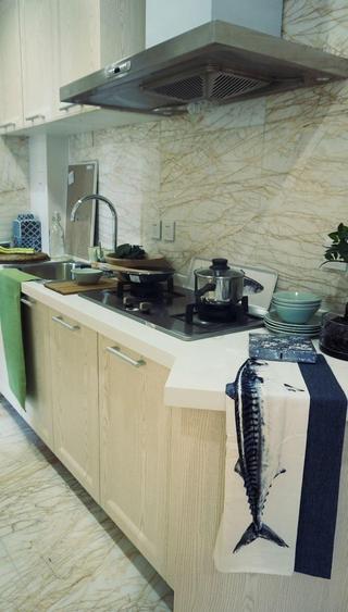 现代美式厨房橱柜设计装修效果图
