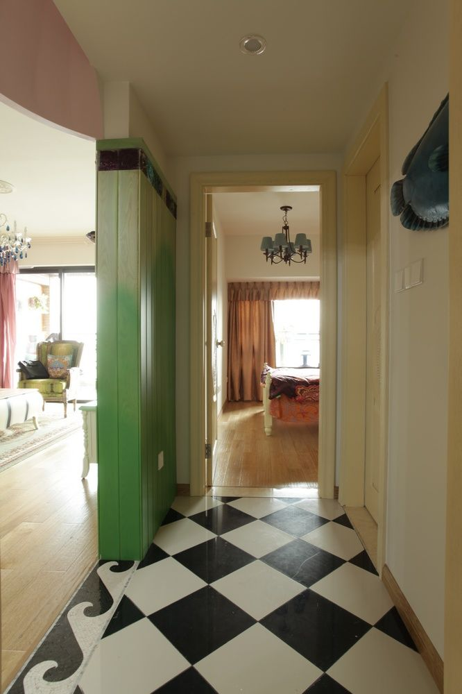 后现代风格设计室内过道装潢效果图片