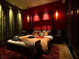 色彩浓重现代中式风格卧室设计效果图片