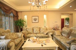 和谐简欧风格设计三居室客厅沙发搭配效果图
