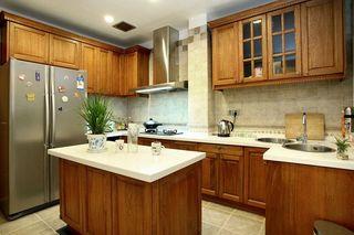 欧式复古风厨房实木橱柜效果图