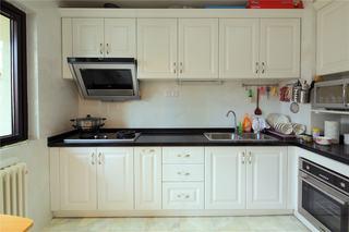简欧大三居白色厨房设计效果图