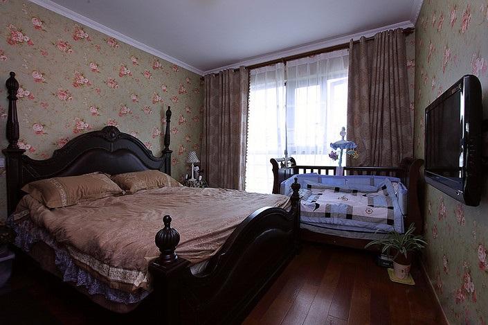 复古欧式风格卧室实木床装饰效果图