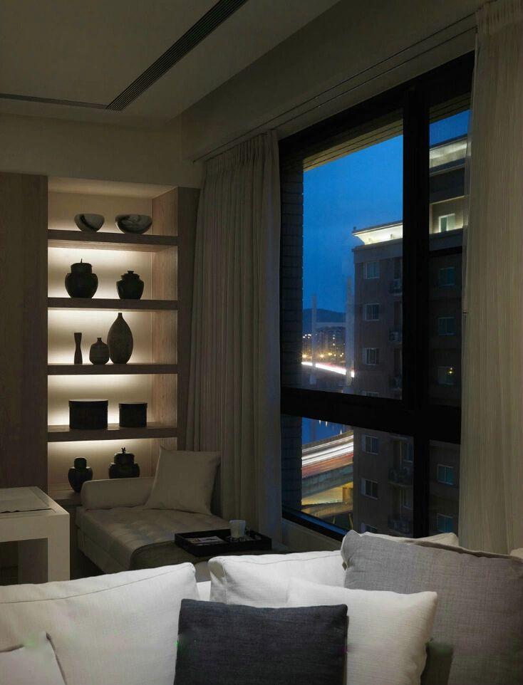 现代简约室内博古架设计欣赏图