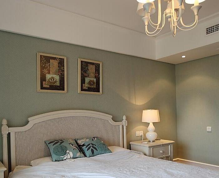 浪漫蓝美式卧室相片墙设计图片