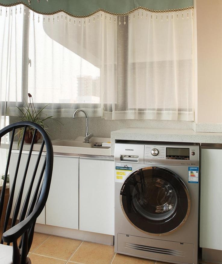 美式简约风厨房白色窗帘效果图