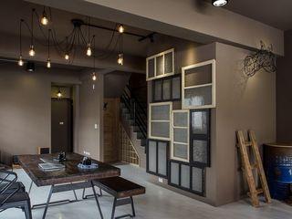 混搭loft工业风餐厅楼梯创意背景墙装饰