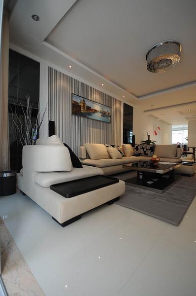 现代豪华大客厅沙发背景墙效果图