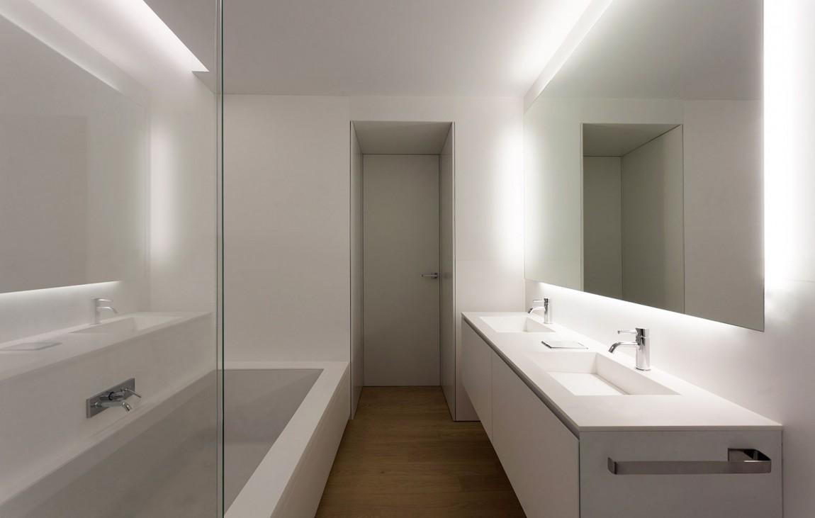 小空间简约洗手间装饰效果图