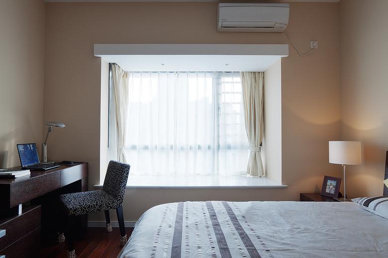 现代简约卧室飘窗效果图