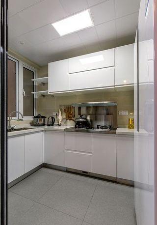 简约厨房白色橱柜效果图