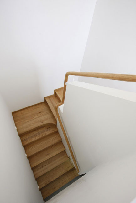 简单三居室日式风格家装楼梯效果图